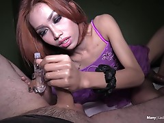 Many is gorgeous `like a princess` in this all exclusive LadyboyHandjobs episode. The gorgeous ladyboy princess Many is even better looking once you find out she`s pantyless under her dress! Just see for yourself while enjoying close-up angles of her pret